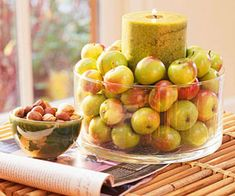 Love this idea of putting a candle in the middle of a vase of red and green apples for fall decorating that we saw on Pattie 's Place. Easy yet lovely!}- -Fall Decorating Ideas with Apples