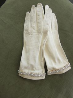 Leather Gloves 1950s cream pearl details ITALY by ItseeBitsee, $38.00