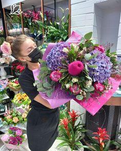 #banksia #hydrangea #roses #trandafiri #hortensii Hydrangea, Floral Wreath, Wreaths, Roses, Decor, Floral Crown, Decoration, Door Wreaths, Pink