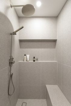 Minimalist Toilets, Minimalist Small Bathrooms, Minimalist Showers, Modern Contemporary Bathrooms, Minimalist Bathroom Design, Bathroom Design Small, Bathroom Interior Design, Modern Bathroom, Interior Design Living Room