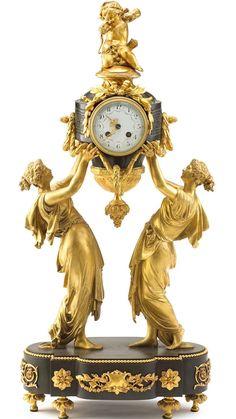 Бронзовые каминные часы 19-го века, в стиле барокко