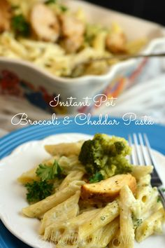 Instant Pot Broccoli and Cheddar Pasta