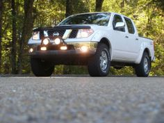 The truck my husband has, except an extended cab, not crew. Nissan Pickup Truck, Nissan 4x4, Nissan Trucks, Pickup Trucks, Navara D40, Nissan Pathfinder, New Toys, Husband, Photo And Video