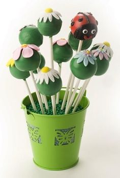 Country Kitchen ladybug and spring flower cake pops Cake Pop Bouquet, Flower Cake Pops, Glitter Birthday Cake, Birthday Cake Pops, Mini Cakes, Cupcake Cakes, Ladybug Cake Pops, Elegant Cake Pops, Cake Pop Designs