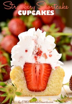 Strawberry Shortcake Cupcakes - famous strawberry cake in  form of delicious cupcakes. #strawberry #shortcake #cupcakes