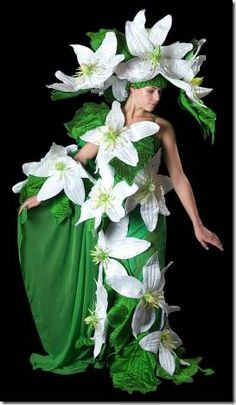 Jenny Gillies the extraordinary Costume and Fabric Artist from Christchurch, New Zealand Mardi Gras Costumes, Halloween Costumes, Carnaval Costume, Fairy Costume For Girl, Costume Venitien, Flower Costume, Creative Costumes, Theatre Costumes, Fairy Dress