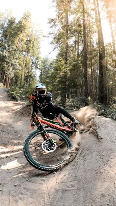 It's dusty over here in Canada! is sick as! Want to see some . - It's dusty over here in Canada! is sick as! Want to see some … - Freeride Mountain Bike, Mountain Biking, Freeride Mtb, Fully Bike, Velo Dh, Mt Bike, Road Bike, Montain Bike, Downhill Bike