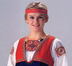 Folk costume of Metsäpirtti, Russia (Karelia) Finland Culture, Old Believers, Culture Clothing, Folk Costume, People Of The World, Spirit Animal, Folklore, Costume Design, Traditional Outfits