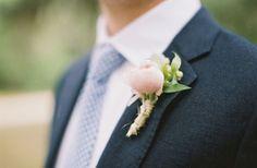 southern-weddings-tulip-boutonniere
