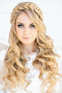 DIY 2014 Hair Crown Hairstyle for Curly Hair - golden hair, Long curly hairstyle, 2014 Party Hairstyles