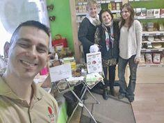 už kávičkujeme v Bio obchodiku Štvorlistok :) #bio #obchodik #stvorlistok #ochutnavka #zdravej #kavy #healthy #coffee #kavicka #dxn #reishi #team #pohoda #jahoda #novadubnica #slovakia