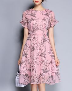 #VIPme Printed Ruffled Short Sleeve Crinkle Midi Swing Dress ❤ Get more outfit ideas and style inspiration from fashion designers at VIPme.com.