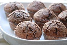 Čokoládové muffiny - základní recept Cupcakes, Breakfast, Sweet, Fitness, Food, Morning Coffee, Meal, Cupcake, Essen
