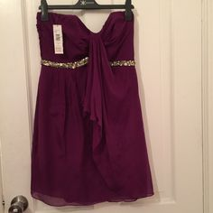 Dress- Special occasion Great party dress has some staining in front Badgley Mischka Dresses Strapless