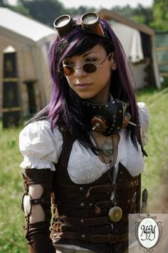 Steam up your Halloween with these steampunk costume ideas for women and men. You can either play it safe and pick a complete costume like our favorites below, Steampunk Couture, Chat Steampunk, Arte Steampunk, Style Steampunk, Steampunk Cosplay, Victorian Steampunk, Steampunk Clothing, Steampunk Fashion, Gothic Fashion