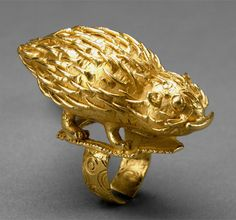 "Africa | Ring with ""porcupine"" from the Akan people 