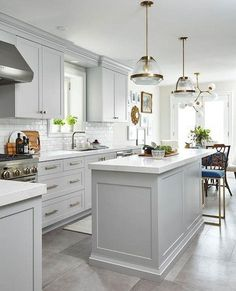 White kitchen is never a wrong idea. The elegance of white kitchens can always provide . Elegant White Kitchen Design Ideas for Modern Home Grey Kitchen Cabinets, Kitchen Cabinet Design, Kitchen Flooring, Interior Design Kitchen, Kitchen Backsplash, Gold Kitchen, Grey Kitchen Island, Kitchen With White Countertops, Kitchen Hardware