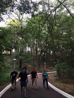 Mexa-se pela Vida! Esse é o nome do programa que praticamos todos os domingos, a partir das 08h00, no bosque do Santa Rosa. Venha participar de atividades físicas com acompanhamento profissional, treino personalizado, aferição de pressão e muito mais. Participe conosco e fortaleça sua saúde! Aqui estão algumas fotos do dia 03/05/2015.