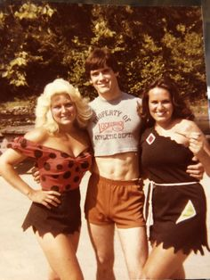 Male crop top at Astroworld in 1980 Half Shirts, The Past, Short Dresses, Football, Athletic, Crop Tops, Guys, How To Wear, Outfits