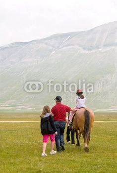 Turismo a cavallo a Castelluccio di Norcia (PG) Umbria - Italy - Tourism horse © Pietro D'Antonio