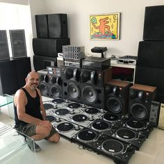 Djserg Sergio Castillo's amazing audio equipment collection with Technics 1200 / 1210 Direct Drive DJ Vinyl Turntables. Audiophile Turntable, Hifi Stereo, Hifi Audio, Hifi Music System, Audio System, Technics Sl 1200, Dj Decks, Technics Turntables, Direct Drive Turntable
