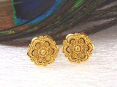 22K-yellow-gold-stud-Earrings-Handmade-Screw-back-pierced-1cm-3-41gm-from-India