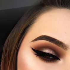 WEBSTA @ heathervenere - Warm toned halo eye using the @tartecosmetics Tartelete In Bloom palette DETAILS: @tartecosmetics Tartelette In Bloom palette, I also used the Shade Funny Girl from the palette as my highlight, Tarteist Double Take for the wing and in the water line, @eylureofficial Definition No.126 lashes, @anastasiabeverlyhills Dipbrow in Chocolate and clear brow gel, @milanicosmetics 2-in- Foundation
