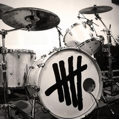 Ashton's drums (: