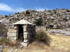 Publicamos la Cárcel de represaliados políticos de Bustarviejo . #historia #turismo http://www.rutasconhistoria.es/loc/carcel-de-bustarviejo