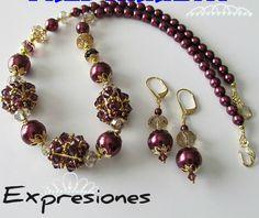 Collar con aretes tejidos en perla color vino y cristales tejidos ovalmente