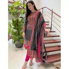 Black rayon cotton digital printed work salwar suit Pakistani Girl, Pakistani Actress, Pakistani Dresses, Silk Saree Blouse Designs, Silk Sarees, I Love Girls, Salwar Suits, Short Dresses, Kimono Top