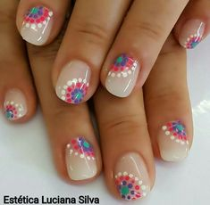 60 Polka Dot Nail Designs for the season that are classic yet chic - Hike n Dip Since Polka dot Pattern are extremely cute & trendy, here are some Polka dot Nail designs for the season. Get the best Polka dot nail art,tips & ideas here. Diy Nails, Cute Nails, Pretty Nails, Diy Daisy Nails, Pink Nail, Dot Nail Art, Polka Dot Nails, Polka Dot Pedicure, Polka Dot Toes