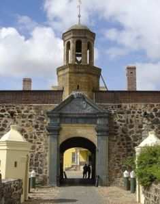 The star shaped Castle of Good Hope – the oldest building in South Africa – was once a fort, but today functions as a showcase of the Cape's early days. Durban South Africa, Cape Town South Africa, Haunted Places, Haunted Castles, Haunted Houses, Out Of Africa, Old Building, Rest Of The World, Africa Travel