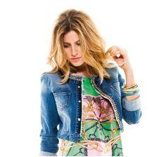 Giubbino corto in jeans Motivi e abito fantasia verde