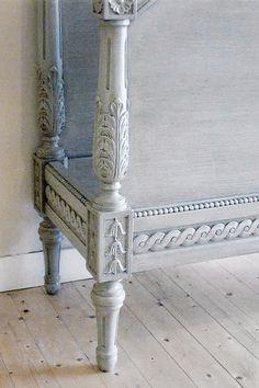 Detaljbild på en av Solgårdens gustavianska sängar Gustavian Bed detail