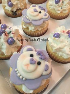 Mauve bear cupcakes!