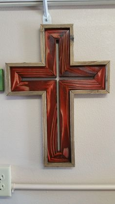 Pallet Wood, Wood Pallets, Wood Wall Art, Wall Art Decor, Home Projects, Projects To Try, Fantasy Craft, Cross Crafts, Wood Crosses