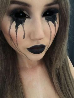Halloween make-up for girls - let yourself be .- Halloween make-up for girls – let these photos inspire you - Costume Halloween, Halloween Noir, Halloween Inspo, Halloween Looks, Diy Halloween, Halloween Halloween, Terrifying Halloween Costumes, Makeup Fx, Creepy Makeup