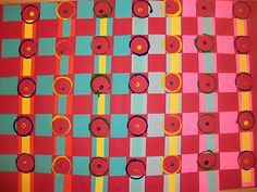 Paper weaving with circle stamping
