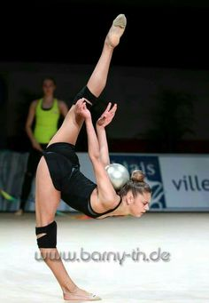 <<Aleksandra Soldatova (Russia) # training podium # Grand Prix 2016 # Thiais 2016 # Palais Omnisports De Thiais # France>>