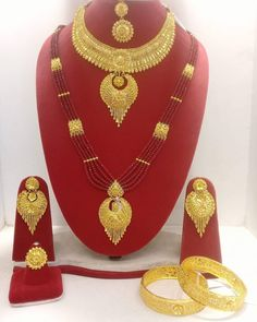 Gold Bangles Design, Gold Earrings Designs, Gold Jewellery Design, Gold Necklace Simple, Gold Jewelry Simple, Necklace Set, Bridal Bangles, Bridal Jewelry, Jewelry Art