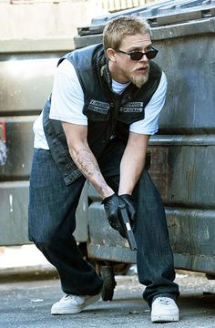 Sons of Anarchy Pictures, Charlie Hunnam Photos - Photo Gallery: Sons of Anarchy