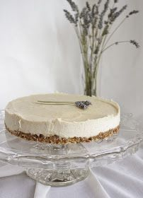 "Raw Vegan lavender  lemon ""cheesecake"""