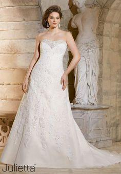 Vestidos de novia tallas grandes 2016: luce tus curvas con mucho estilo Image: 15