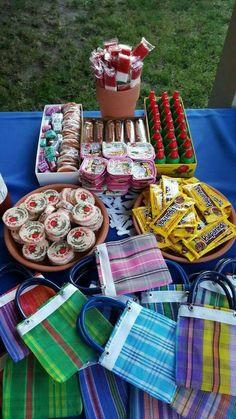 Ideas para una fiesta temática Mexicana ♥️Ideas for a Mexican themed party ♥️ Mexican Candy Table, Mexican Party Decorations, Mexican Fiesta Party, Fiesta Theme Party, Party Themes, Party Ideas, Fiesta Gender Reveal Party, Mexican Party Favors, Patriotic Decorations