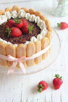 Charlotte Dessert, Charlotte Cake, Tea Cakes, Mini Cakes, Cupcake Cakes, Tiramisu Recipe, Tiramisu Cake, Fun Desserts, Delicious Desserts