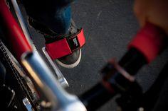 Les LB Pedal Straps de Lucky Bastërds sur fixie-singlespeed.com Gadgets, Veil, Fixed Gear, Urban Bike, Gadget