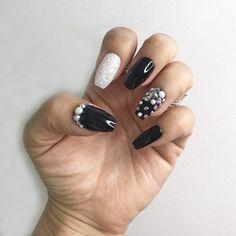 67 Ideas for pedicure designs winter toenails summer nails Prom Nails, Bling Nails, Wedding Nails, Gold Nails, Glitter Nails, Gel Pedicure, Pedicure Designs, American Nails, Pearl Nails