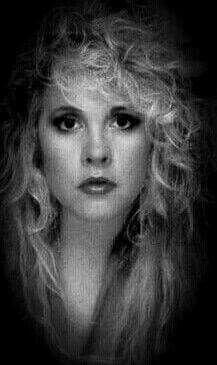 Lovas some Stevie. Stevie Nicks Now, Stevie Nicks Fleetwood Mac, Members Of Fleetwood Mac, Buckingham Nicks, Stephanie Lynn, Her Music, Music Life, Female Singers, Her Hair