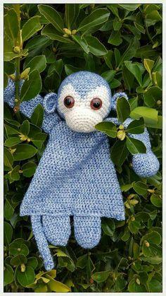 Lappenpop aap Crochet Monkey, Crochet Baby Toys, Easter Crochet, Crochet Toys Patterns, Crochet Gifts, Crochet For Kids, Amigurumi Patterns, Crochet Animals, Crochet Dolls